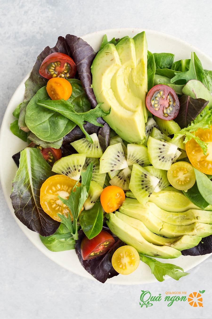 Cách làm salad kiwi bơ trộn với cà chua và nước sốt kiwi